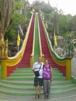 Les escalier du wat tham sua kanchanaburi