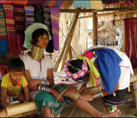 Femme girafe, femme au long cou, kanchanaburi-vacances